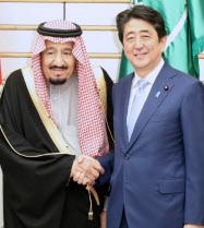安倍首相とサルマン国王(13日、首相官邸).jpg